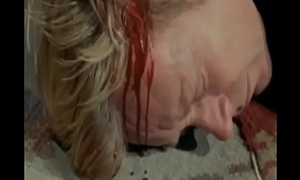 Velho tenta molestar e estupra novinha cena parte 1 Old man tries to molest and