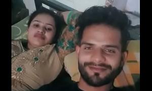 Desi girl fucked room hindi 2