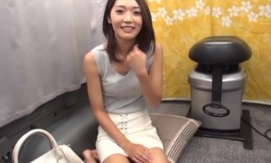 Magnificent Asian lady sucks guy's pecker in a van