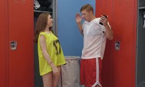 Athletic toff Oliver Flynn fucks cute chick approximately the locker room
