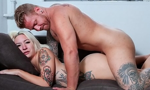 CASTING FRANCAIS - Tattooed Canadian bush-league Jesse Elevation blowjob and fuck in steamy audition